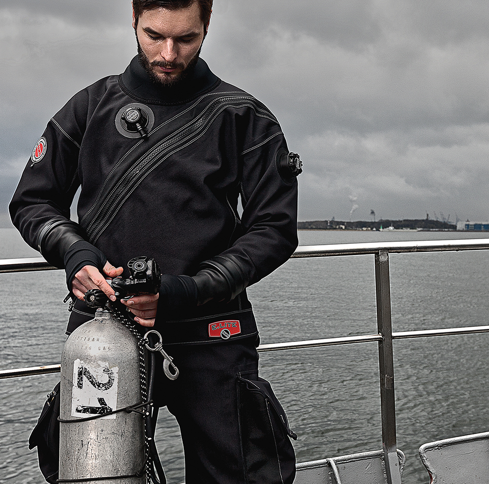 Santi diving equipment - Muta stagna dive system ...